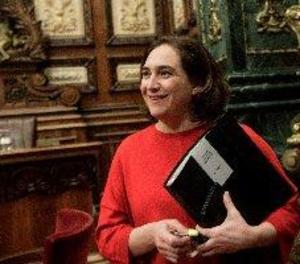 Colau presenta un contenciós contra la dissolució del Diplocat