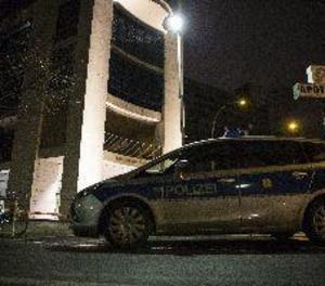 Un home estavella el seu cotxe contra una seu socialdemòcrata alemanya