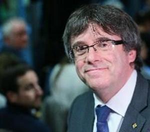 Puigdemont aborda a Brussel·les amb l'ANC i Òmnium la futura Mesa del Parlament