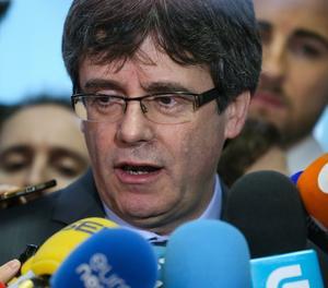 Puigdemont atén els mitjans després de la seua reunió amb Torrent
