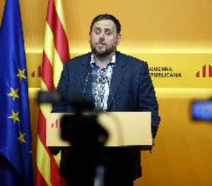 Junqueras suggereix un pla B a Puigdemont i la CUP exigeix complir la investidura