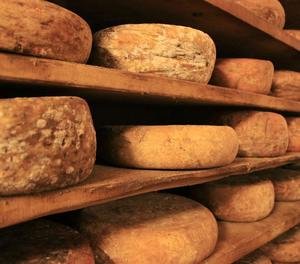 Productors de formatges retiren lots després d'un cas de meningitis per bacteri