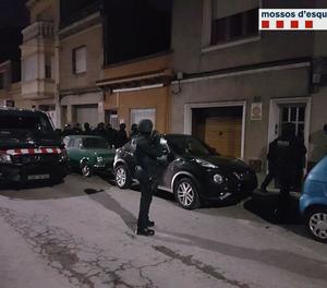 Detinguts 16 membres dels Àngels de l'Infern després d'un assassinat a Sabadell