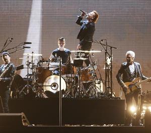 El grup U2 durant una actuació