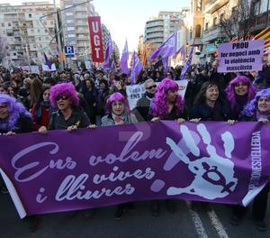 Protestes en el marc d'una vaga feminista pionera.