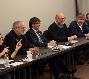 La reunió dels parlamentaris del grup de Junts per Catalunya amb Carles Puigdemont aquest dimecres a Brussel·les.