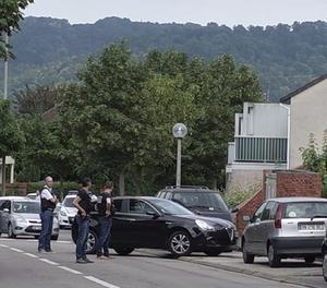 Imatge d'arxius d'agents de la policia francesa durant una presa d'ostatges.