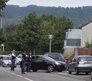 Imatge d'arxius d'agents de la policia francesa durant una presa d'ostatges.