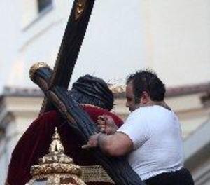La Hermandad del Gran Poder de Madrid resta importància a la ruptura de la creu