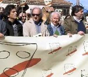 Boadella encapçala una manifestació contra el nacionalisme al seu poble de Girona