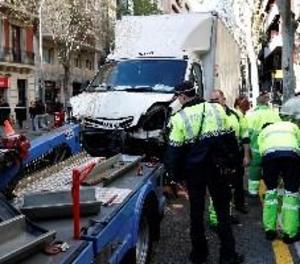 Set ferits, cap de greu, en quedar-se un camió sense frens a Barcelona