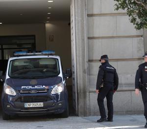 Un furgó de la Policia Nacional, aquest dimarts al Tribunal Suprem.