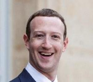 Acusen Zuckerberg de crear un