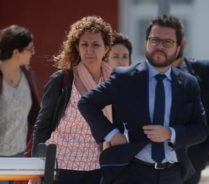 El vicepresidente de la Generalitat, Pere Aragonés, junto a la consellera Ester Capella  a la salida de la cárcel de Estremera este martes, tras visitar a sus antecesores Oriol Junqueras y Raül Romeva.