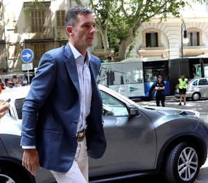 Urdangarin arriba a l'Audiència de Palma per recollir la seua ordre de presó