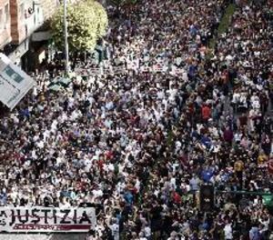 Milers de persones protesten a Pamplona contra la sentència d'Alsasua