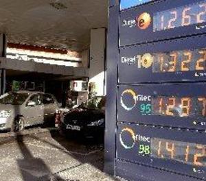 Els carburants, en màxims d'últims tres estius per a aquesta setmana de l'any