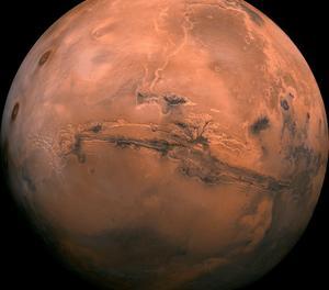 Descobreixen un llac d'aigua liquida i salada a Mart