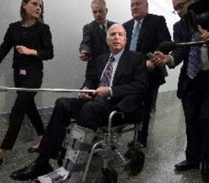 Mor el senador republicà nord-americà John McCain, excandidat presidencial el 2008