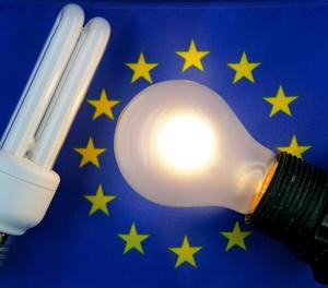 El rebut de la llum puja gairebé un 11 per cent interanual a l'agost