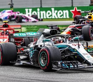 El Mercedes de Lewis Hamilton va sortir més líder del circuit de Monza, on es va imposar amb autoritat.