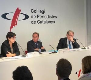 Un moment de la roda de premsa al Col·legi de Periodistes de Catalunya.