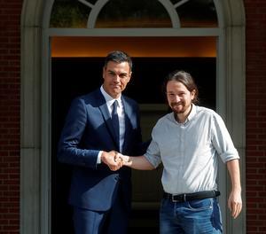 El president del Govern, Pedro Sánchez, i el líder de Podemos, Pablo Iglesias, aquest dijous a la Moncloa