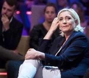La justícia francesa imputa Marine Le Pen per malversació de fons públics
