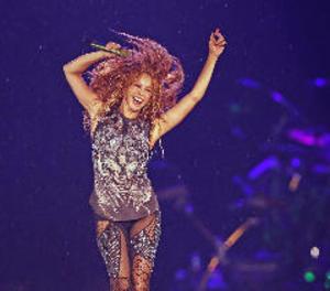 Shakira torna a Mèxic recordant al públic que
