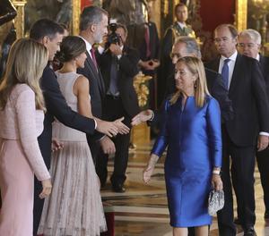 Un malentès de protocol provoca situació confusa de Sánchez i els reis