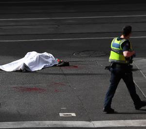 Un mort i dos ferits després de ser apunyalats en un freqüentat carrer de Melbourne