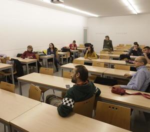 Imatge de l'assemblea d'ahir de docents associats de la UdL.