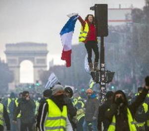 La manifestació francesa contra l'alça del carburant degenera en violència