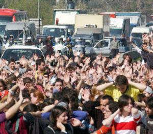 Bloquegen els accessos a la Universitat Autònoma de Barcelona el primer dia vaga