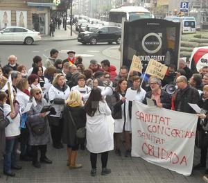Estudiants, treballadors públics i metges han sortir al carrer