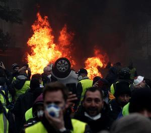 Manifestants amb armilles grogues durant les protestes.