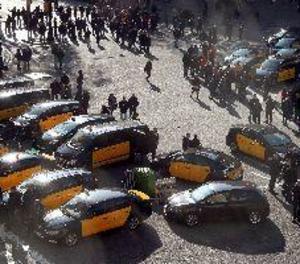Els taxistes de Barcelona inicien el seu tercer dia de vaga
