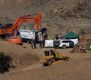 Els miners entren al túnel per excavar una galeria i rescatar Julen