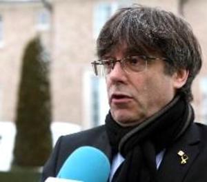 Puigdemont diu que segueix a disposició del Parlament per a la seua investidura