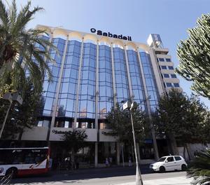 Banc Sabadell guanya 328 milions el 2018, un 54% menys, condicionat per TSB