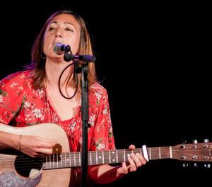 La cantant i guitarrista Lynne Martin, avui al Cafè del Teatre amb el seu primer disc en solitari.