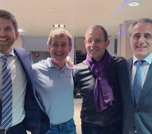 Rosell i Besolí, al costat dels advocats Andrés Maluenda i Pau Molins, van celebrar ahir les absolucions.