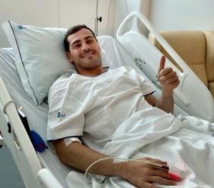 Casillas passa la seua primera nit a l'hospital estable