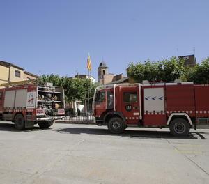 Camions de bombers a Bovera.