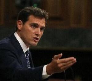 Rivera acusa Sánchez de fer