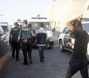 Operació policial per localitzar menors estrangers que viatgen sols
