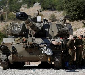 Imatge d'un tanc israelià a la zona fronterera amb Síria.