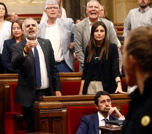 Batussa al Parlament entre diputats sobiranistes i Cs pels CDR presos