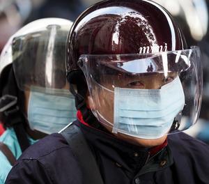 El món es disposa a aturar l'epidèmia del coronavirus mentre augmenten els contagis