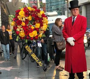 El passeig de la fama de Hollywood, ahir de dol per la seua mort.